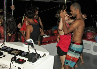 Soirée dansante en catamran sur le lagon de Mayotte